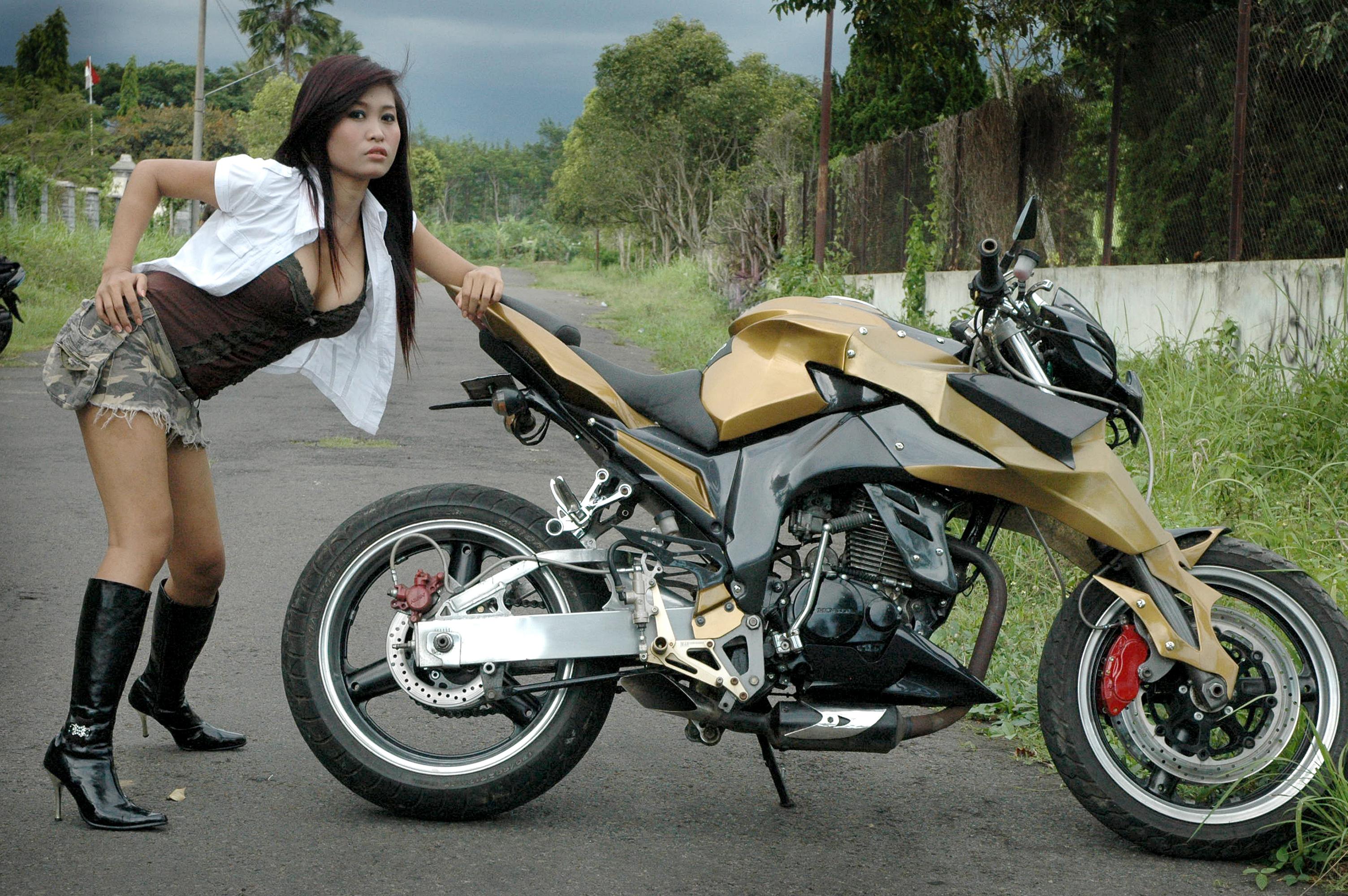 Modifikasi Motor Otomotif Beemotor
